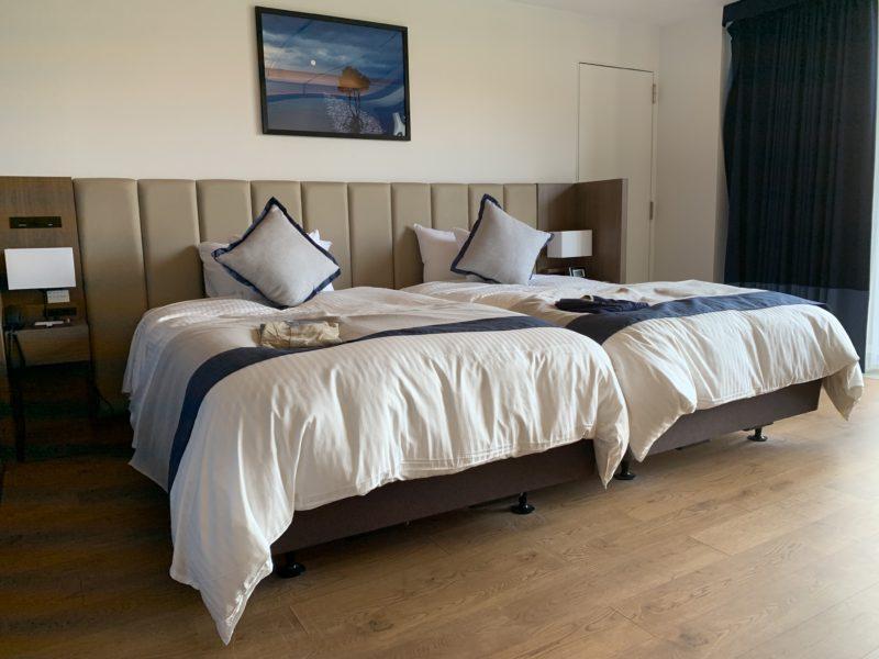 フサキリゾートのサウスウィングの2階(スーペリアツインのベッド)