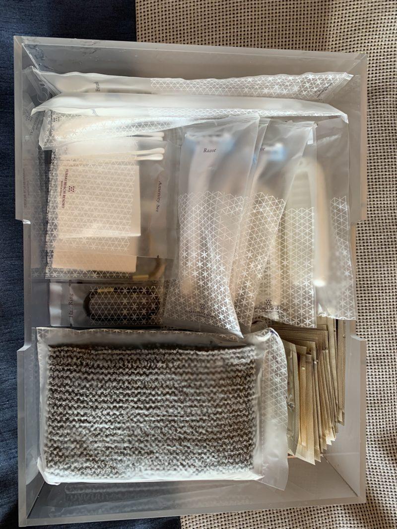 フサキリゾートのアメニティ(クシ、カミソリ、ヘアゴム、綿棒、コットン、化粧落とし、洗顔、化粧水、乳液、ボディタオル)