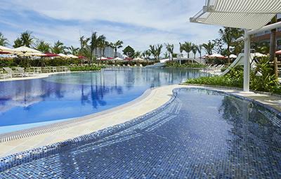 ヒルトン沖縄のプール